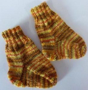 Socken gestrickt orange-gestreift