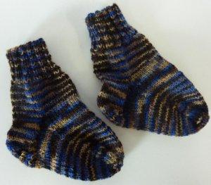 Socken gestrickt blau-braun